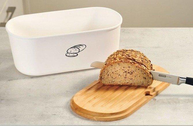 Chlebak z deską do krojenia owalny biały KESPER