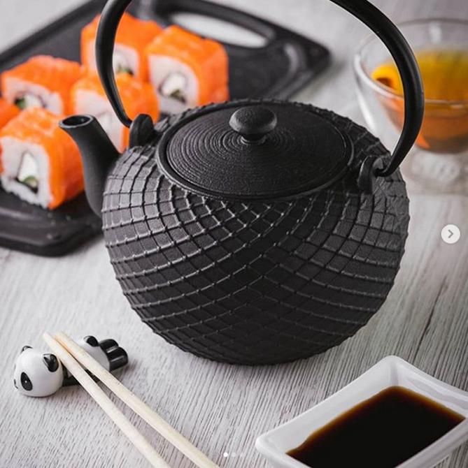 Zaparzacz żeliwny do herbaty Gipfel 1l z filtrem ze stali nierdz. / Imbryk